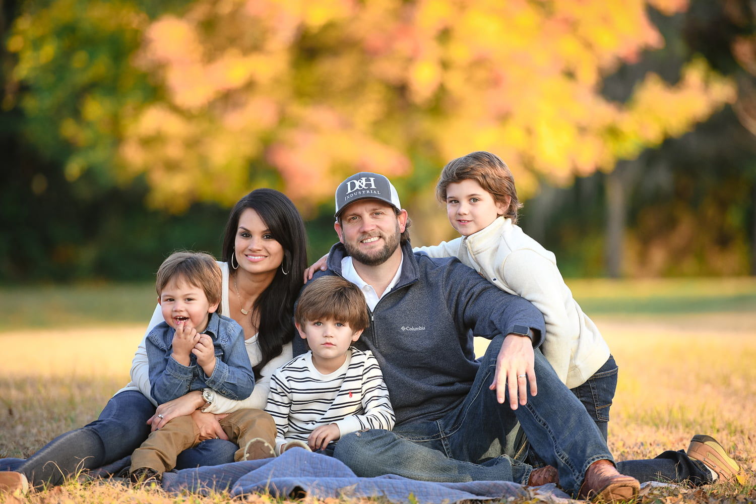 Family portrait photo taken by Lisa Rowland Photography in Trenton, Florida