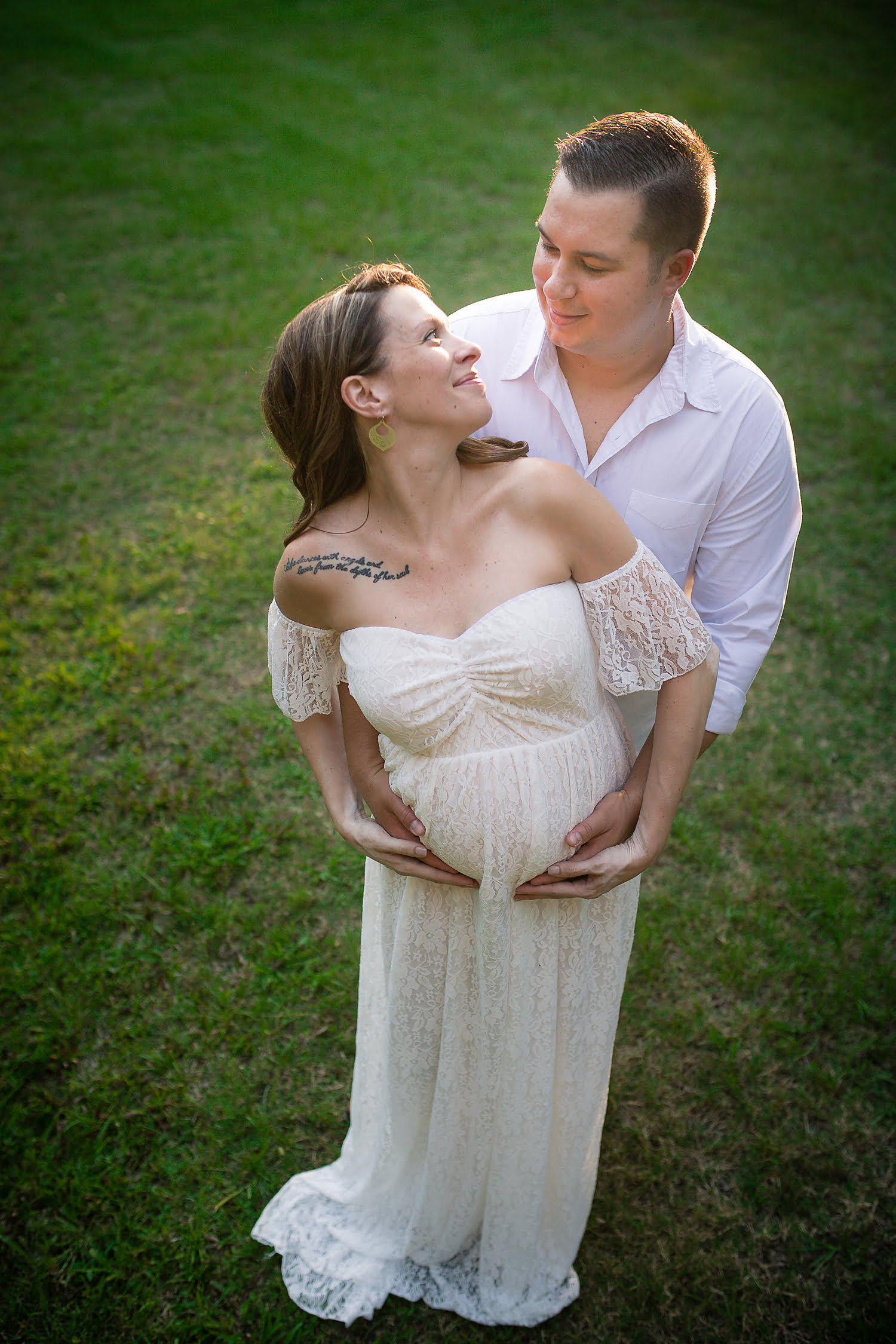 Maternity photo taken by Lisa Rowland Photography in Trenton, Florida