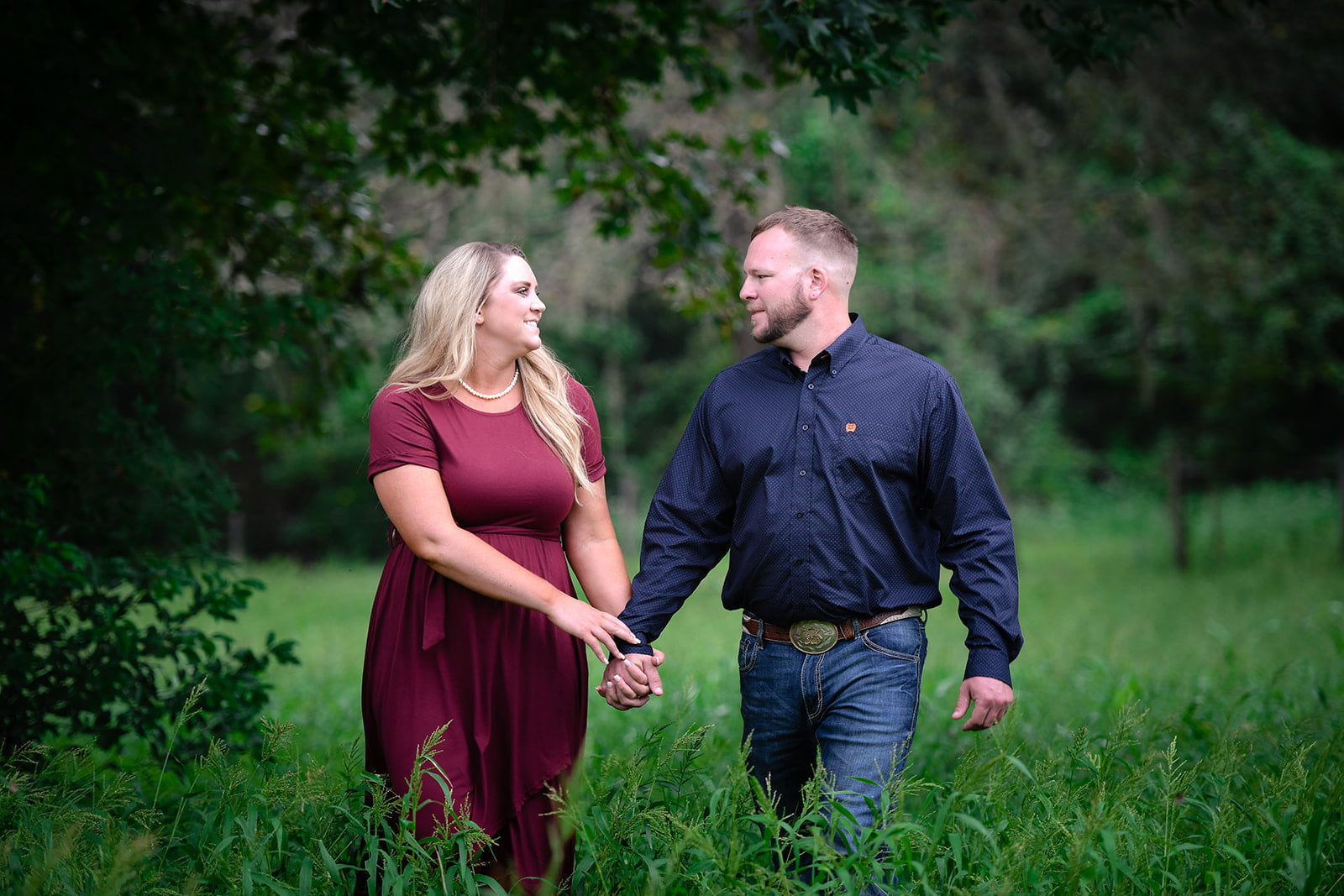 Couple photo taken outside by Lisa Rowland Photography in Trenton, Florida